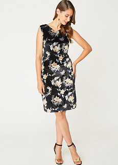 89024a1f7a3 Look Again Floral Velvet Dress